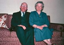 074 Opa, Oma 1956